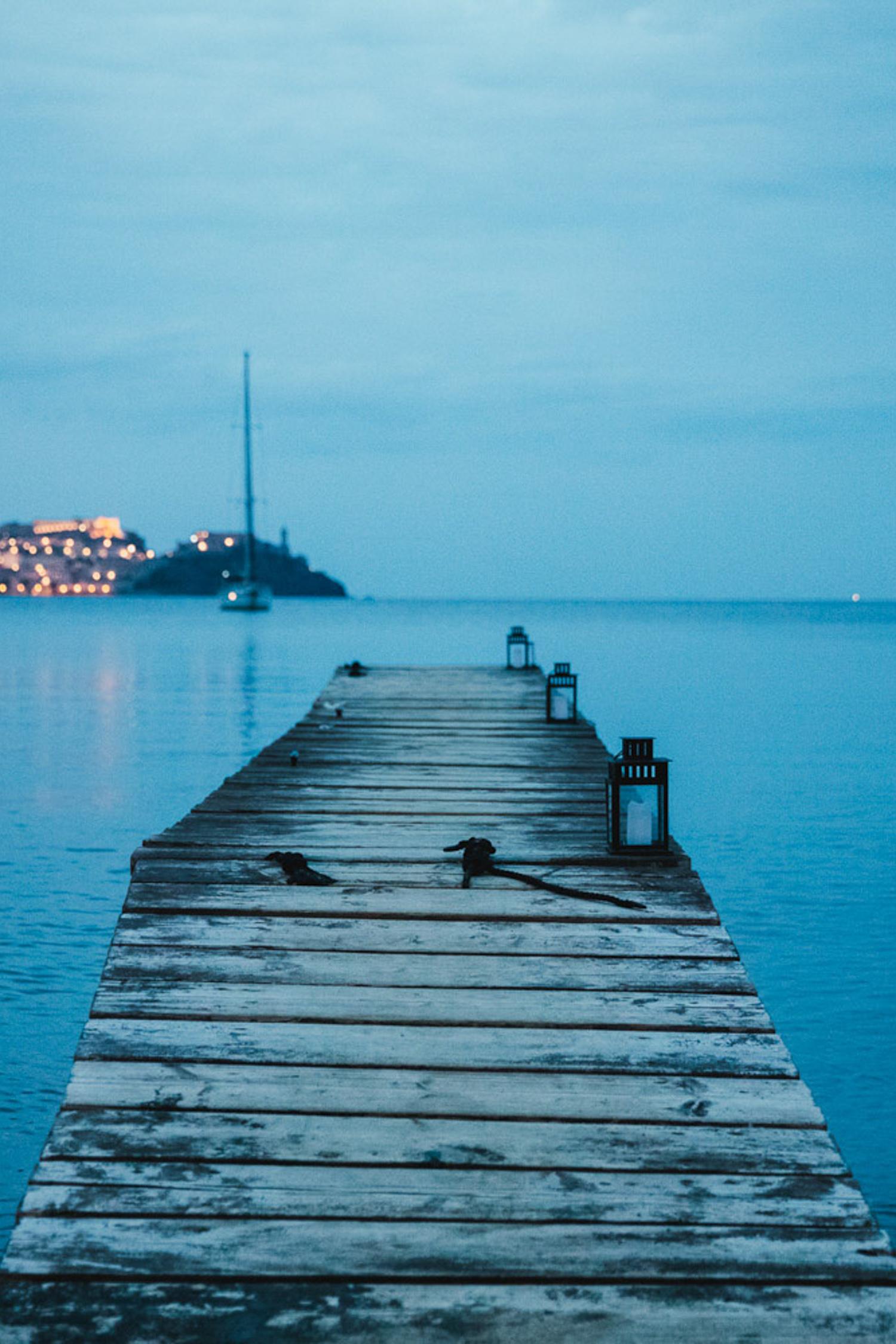 Livorno, capoluogo della Toscana, è una città bellissima dove sposarsi. Se cerchi un fotografo di matrimonio a Livorno chiamaci!